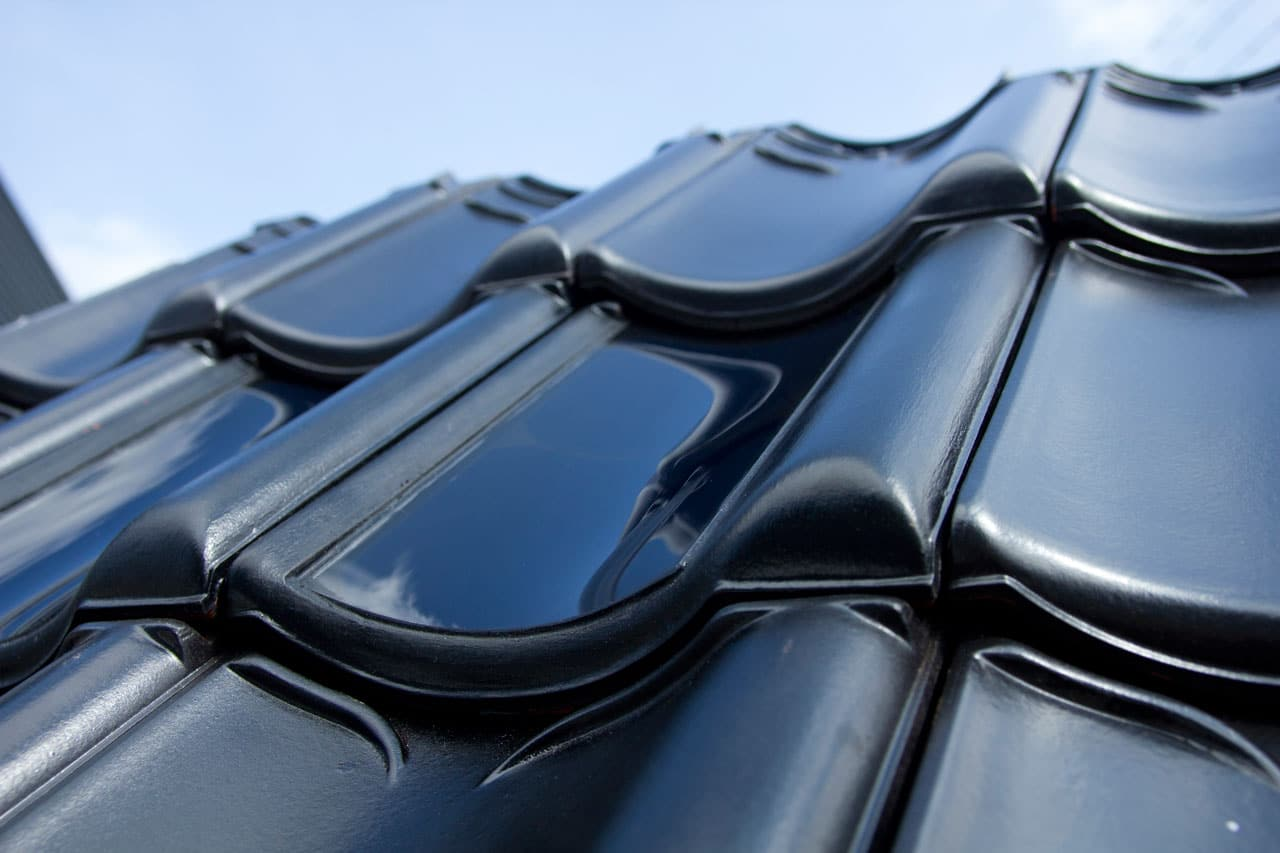 FlexSol solar roof tile