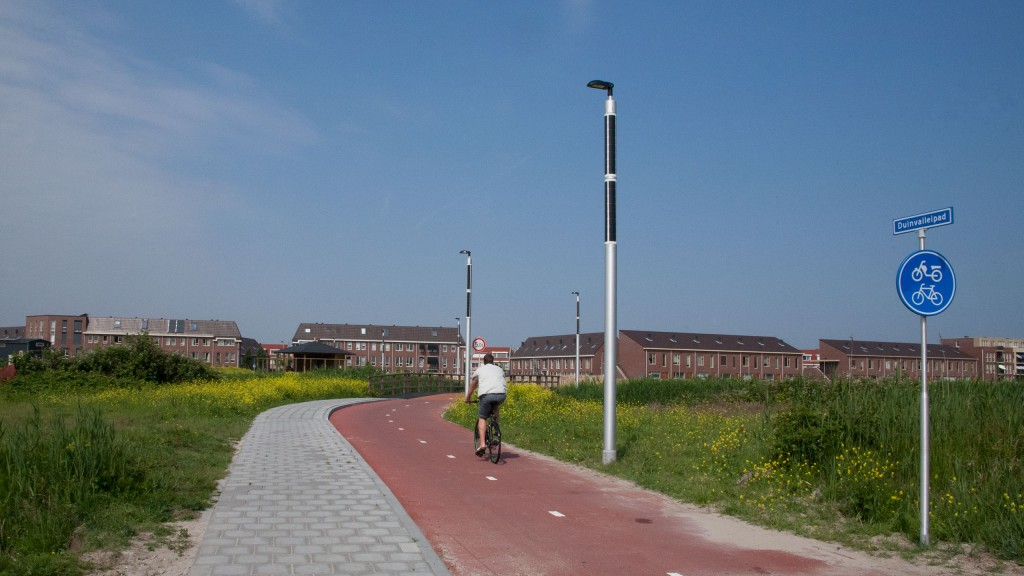 Soluxio PV street lights installed in field of flowers
